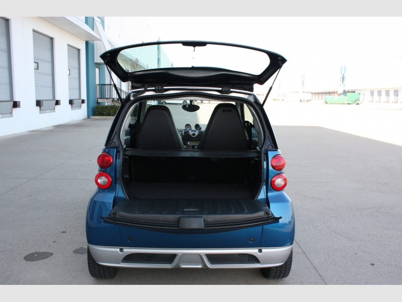 Smart fortwo 2009 price $4,300