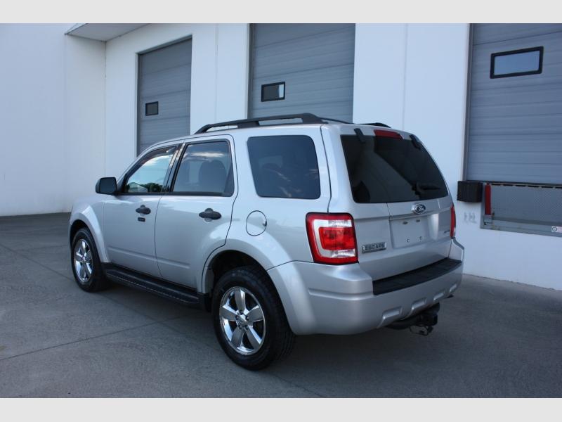 Ford Escape 2009 price $7,999