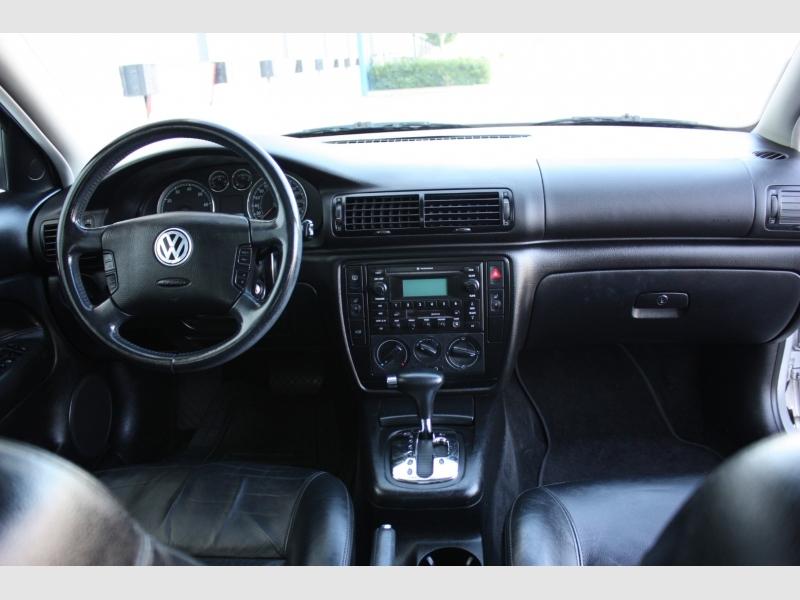 Volkswagen Passat 2003 price $3,999