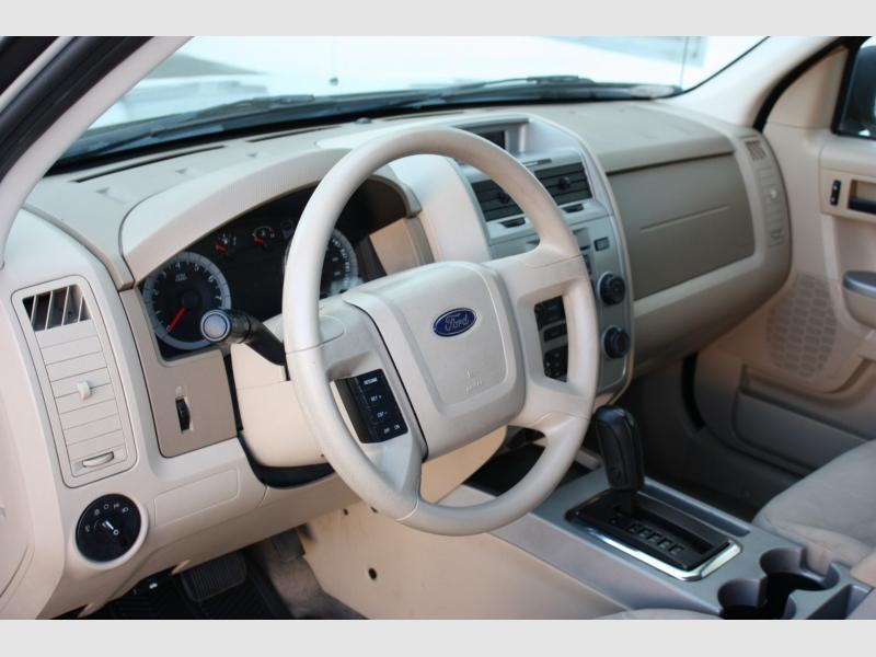 Ford Escape 2008 price $7,800