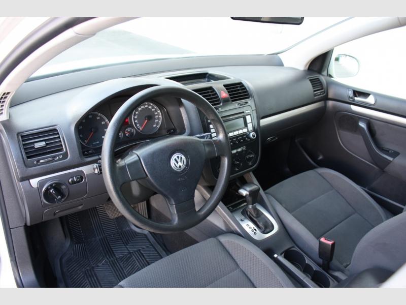 Volkswagen Rabbit 2008 price $6,999