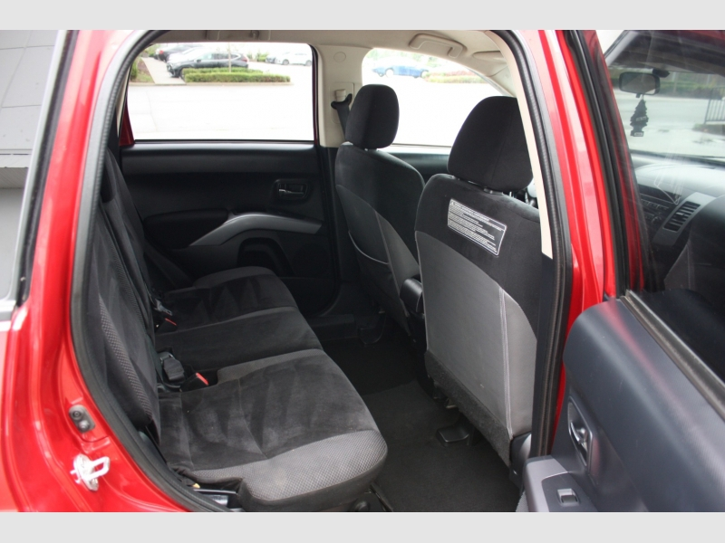 Mitsubishi Outlander 2013 price $8,999
