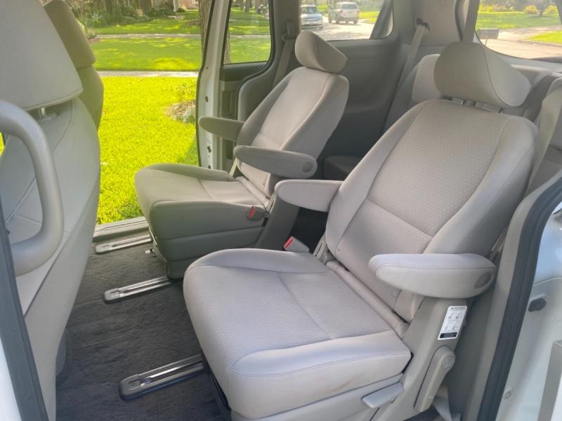 Kia Sedona 2016 price $14,999