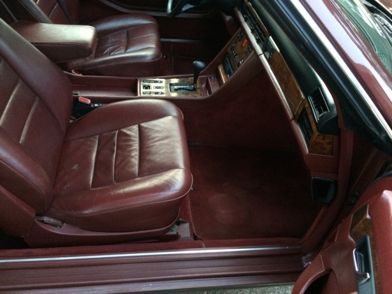Mercedes-Benz 500 Series 1985 price $15,999