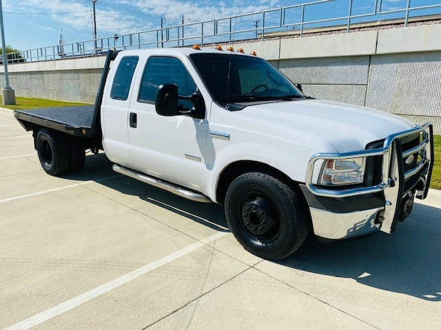 Ford Super Duty F-350 DRW 2005 price $8,995