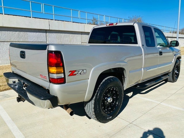 GMC Sierra 1500 2004 price $11,995