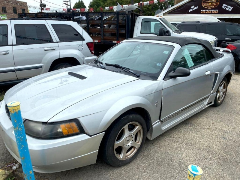 Ford Mustang 2001 price $2,795