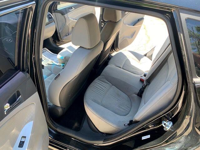Hyundai Accent 2012 price $5,500