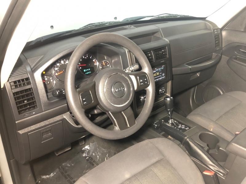 JEEP LIBERTY 2012 price $8,500