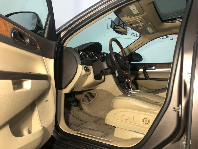 BUICK ENCLAVE 2010 price $8,700