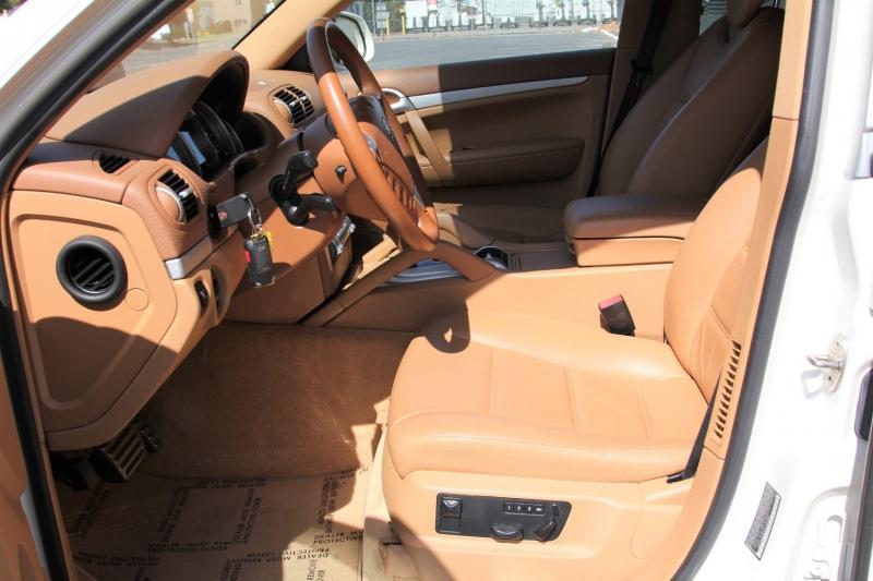 Porsche Cayenne 2003 price $11,855