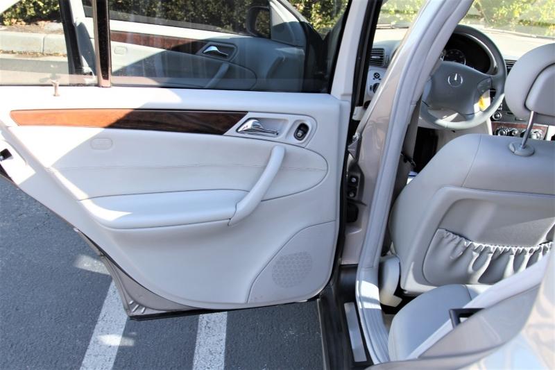 Mercedes-Benz C-Class 2005 price $5,988