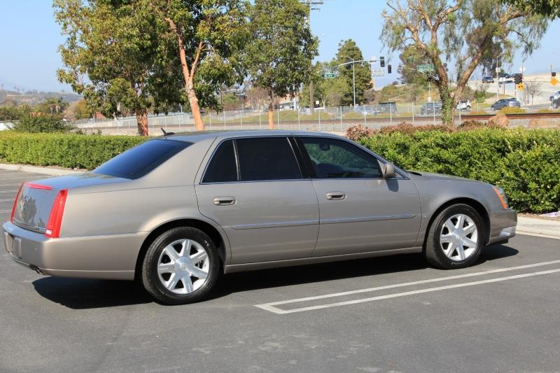 Cadillac DTS 2006 price $9,855
