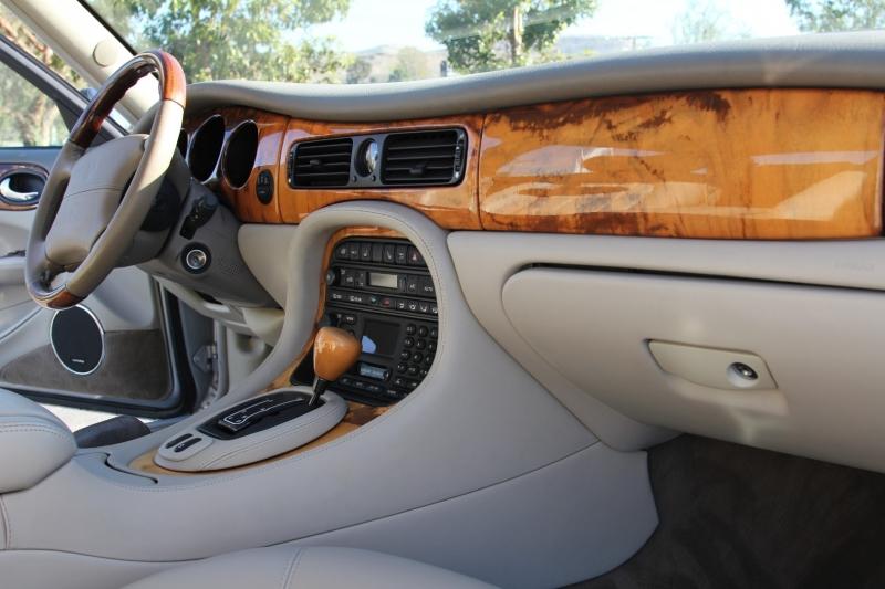 Jaguar XJ 2001 price $5,955