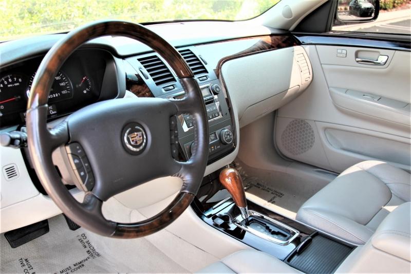 Cadillac DTS 2008 price $10,955
