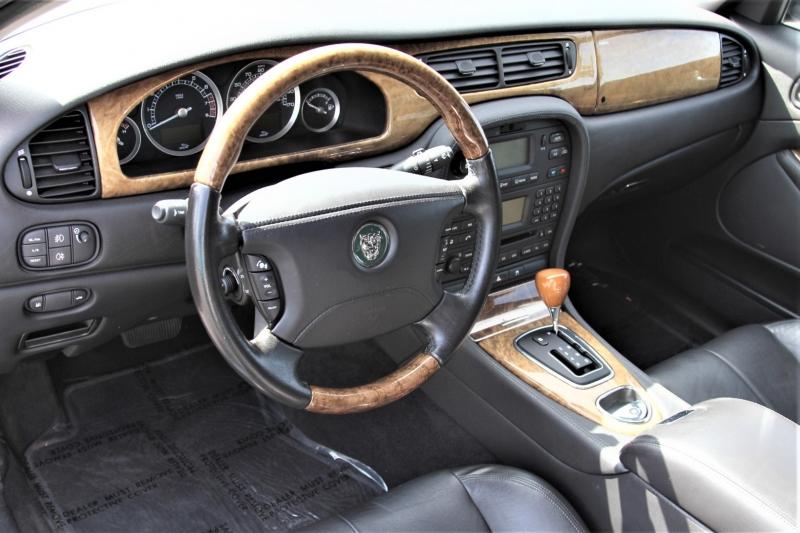 Jaguar S-TYPE 2005 price $10,955