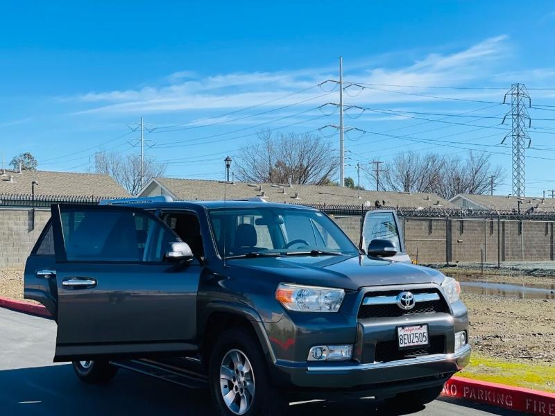 Toyota 4Runner 2010 price $15,995