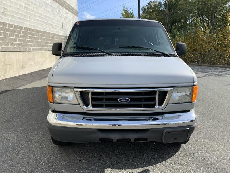 Ford Econoline Wagon 2006 price $9,980