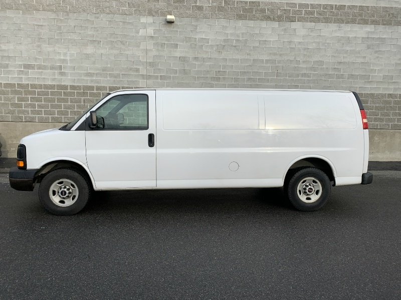 GMC Savana Cargo Van 2009 price $9,980