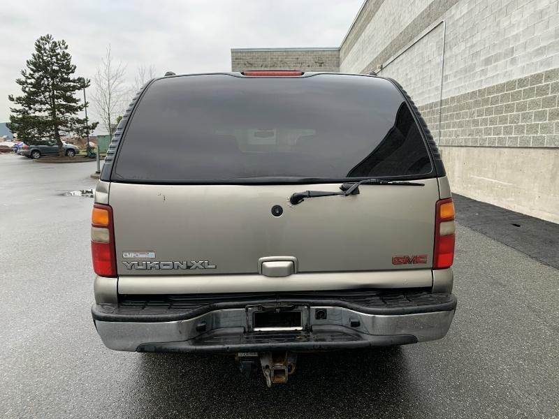 GMC Yukon XL 2002 price $3,880