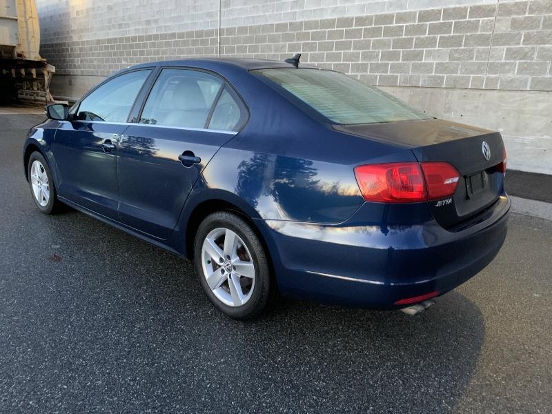Volkswagen Jetta Sedan 2011 price $6,200