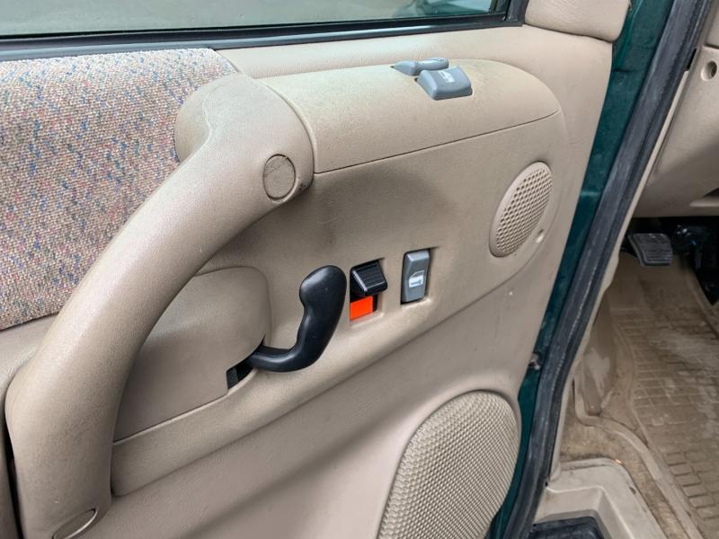 Chevrolet Astro Passenger 2002 price $7,980