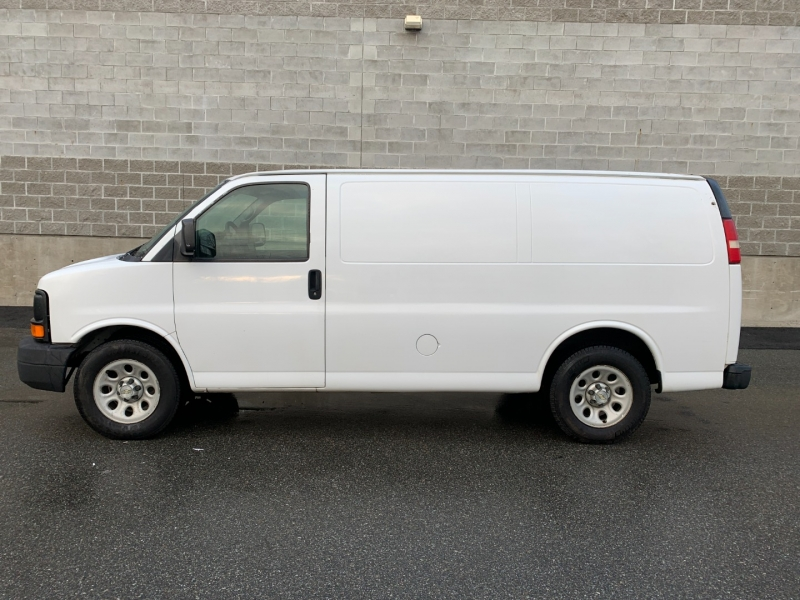 Chevrolet Express Cargo Van 2009 price $11,500