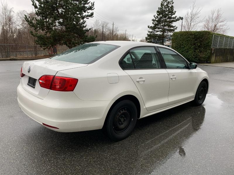 Volkswagen Jetta Sedan 2011 price $5,800