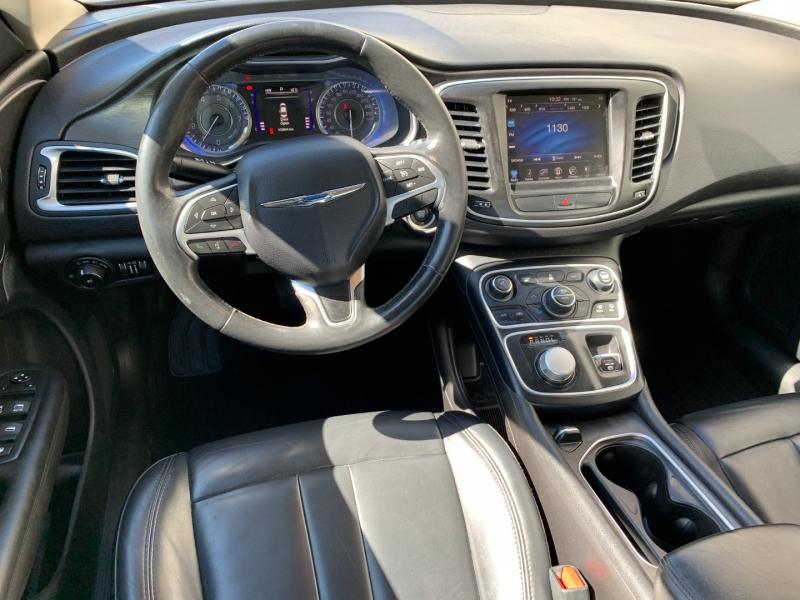 Chrysler 200 2017 price $9,500