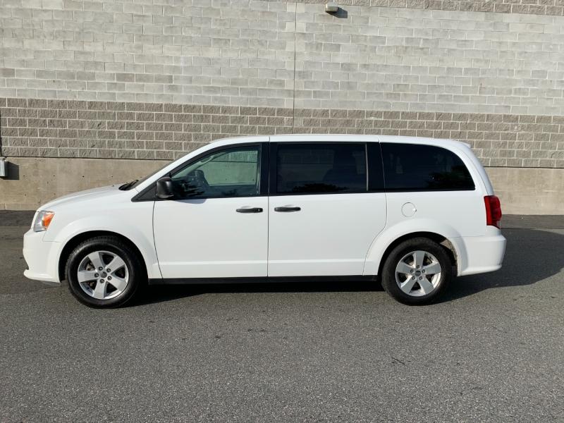 Dodge Grand Caravan 2018 price $11,980