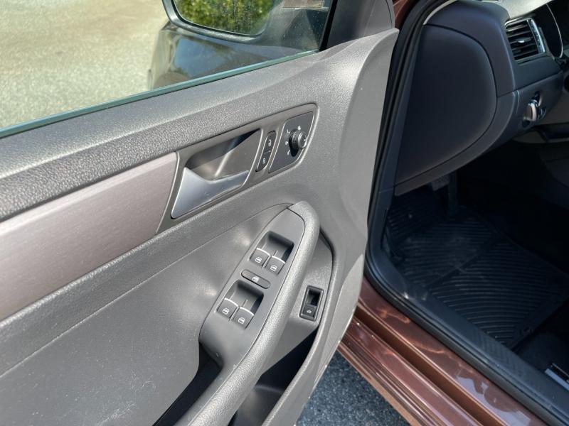 Volkswagen Jetta Sedan 2016 price $11,800