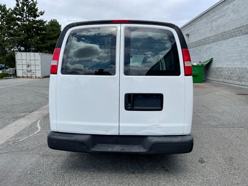 Chevrolet Express Cargo Van 2006 price $9,500