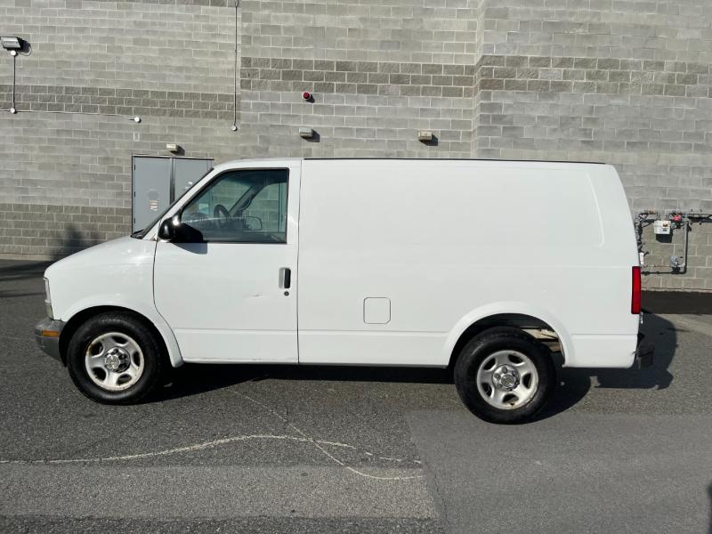 Chevrolet Astro Cargo Van 2004 price $8,500