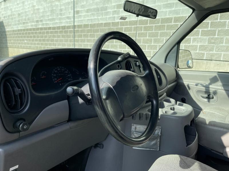 Ford Econoline Cargo Van 2000 price $6,980