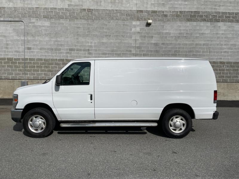 Ford Econoline Cargo Van 2008 price $15,980