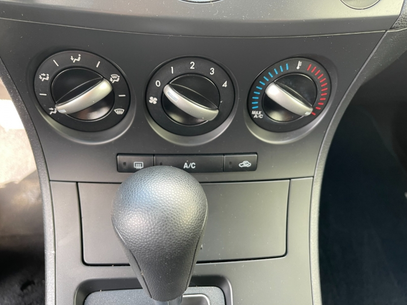 Mazda Mazda3 2012 price $8,500