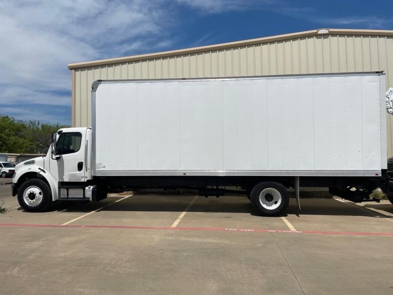 Freightliner M2 26FT BOX 102,103 2016 price $0
