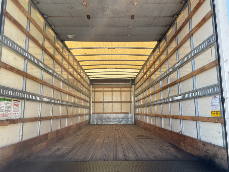 Ford F750 26 ft Box Truck 2015 price $0