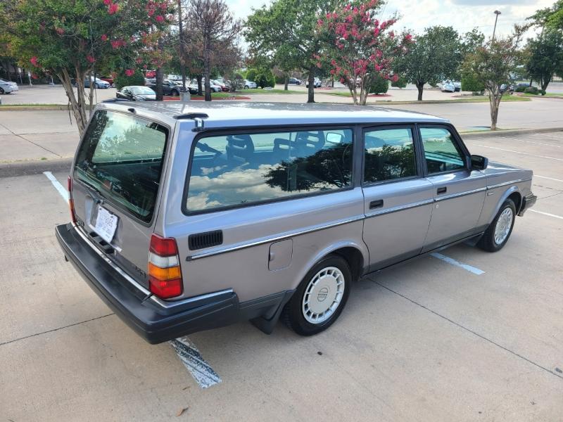Volvo 240 1993 price $8,995
