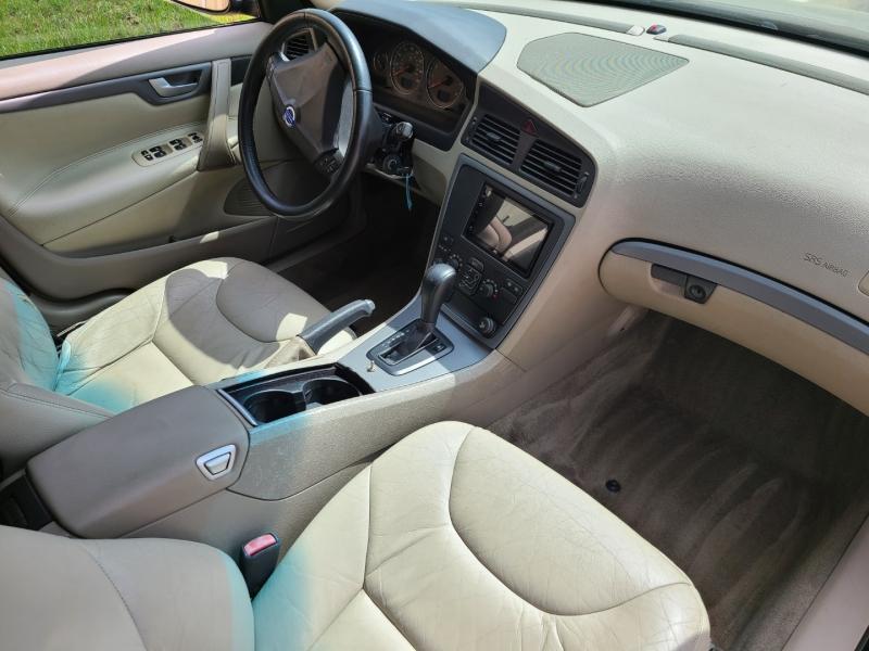 Volvo S60 2005 price $3,995