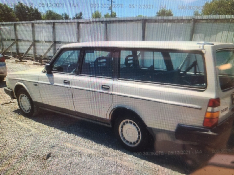 VOLVO 245 1988 price $4,995