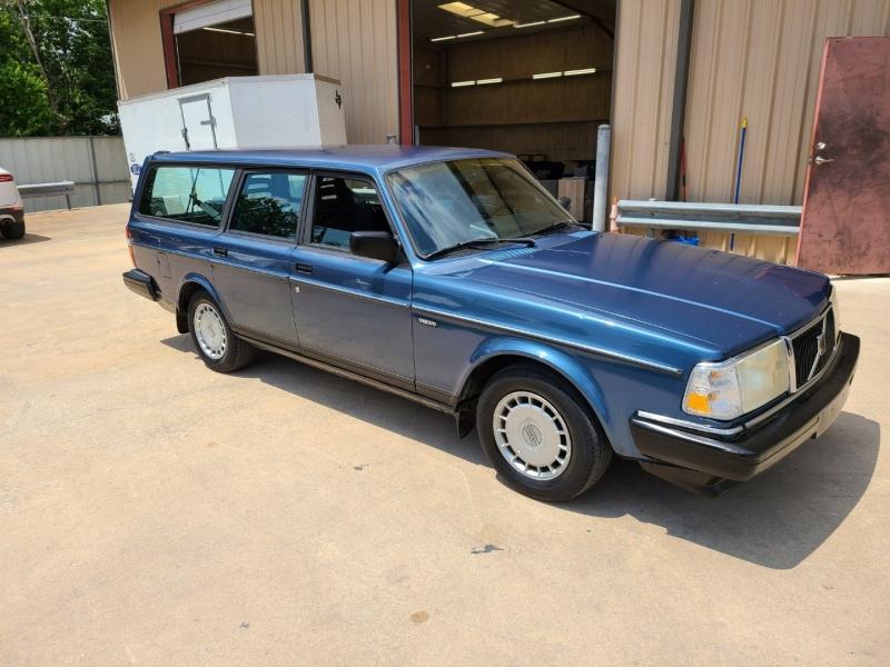 VOLVO 240 1991 price $7,995