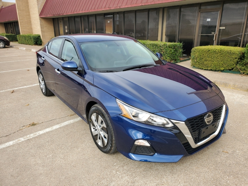 Nissan Altima 2020 price $17,500