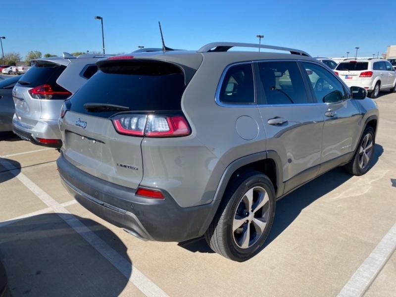 Jeep Cherokee 2020 price $22,900