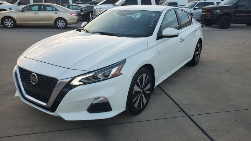 Nissan Altima 2021 price $21,900