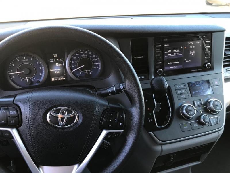 Toyota Sienna 2020 price $26,500