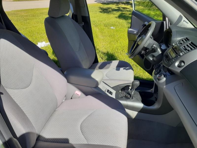 Toyota RAV4 2006 price $7,400