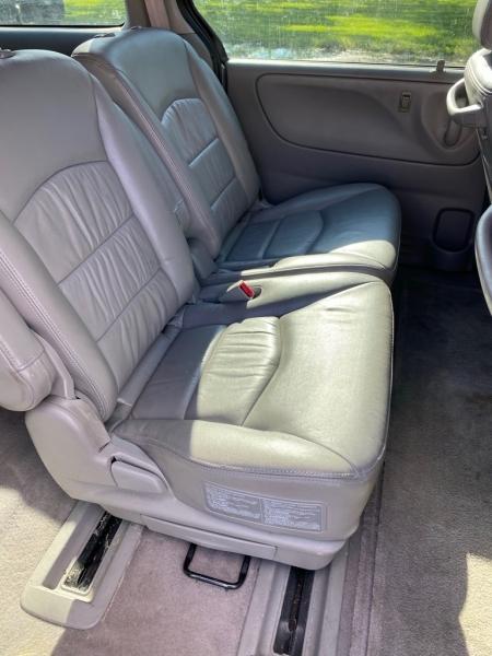 MAZDA MPV 2003 price $3,950