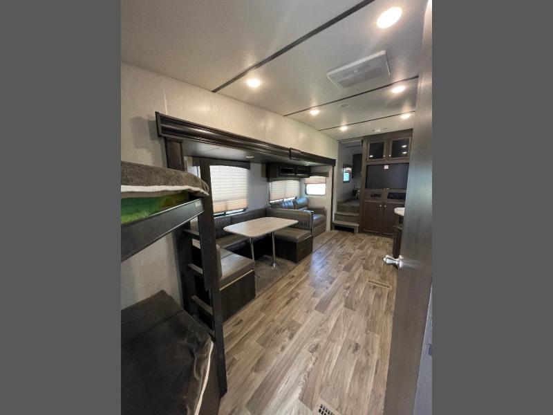 Starcraft Autumn Ridge 2018 price $24,950