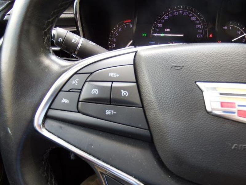 Cadillac XT5 2019 price $33,995